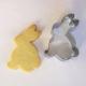 cortador de galletas y fondant conejo